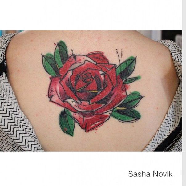 Художественная татуировка «Роза». Мастер — Саша Новик.
