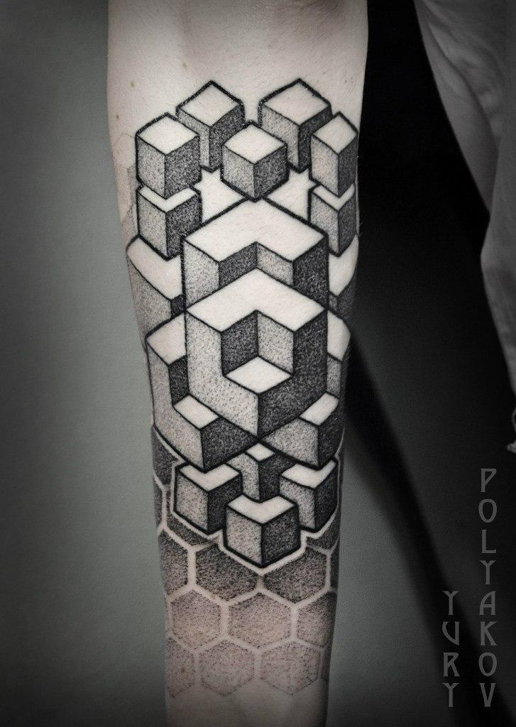"""Художественная татуировка """"Геометрическая абстракция"""" от Юрия Полякова"""