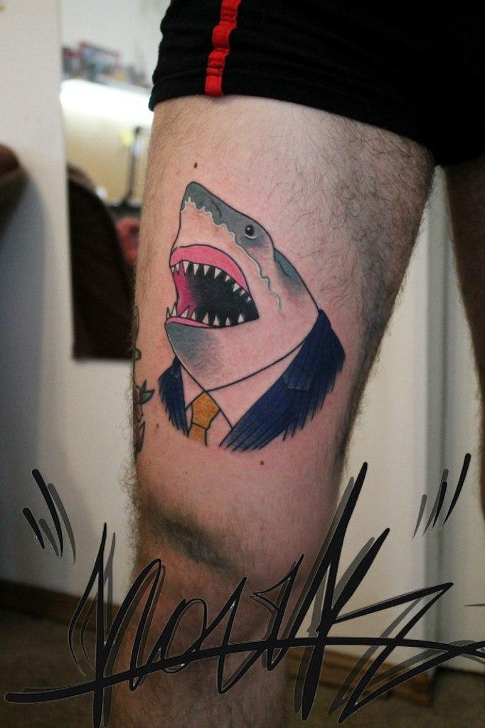Художественная татуировка «Акула». Мастер — Саша Новик