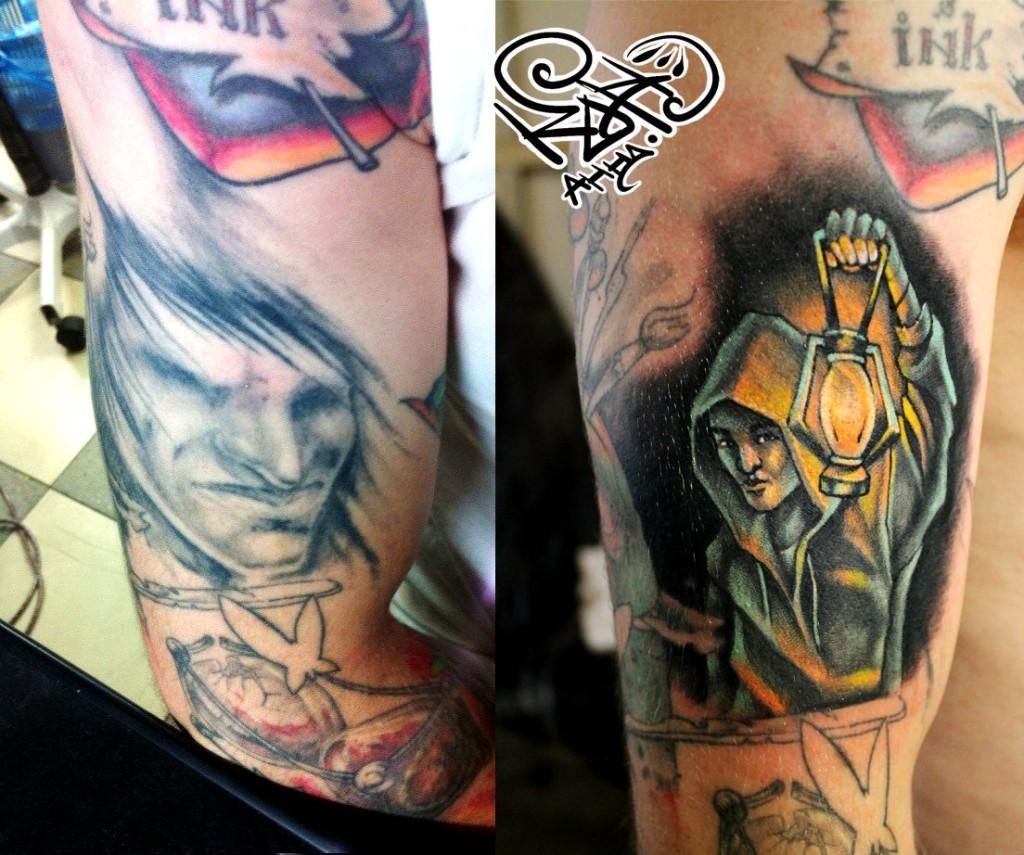 Перекрытие старой татуировки Мастер — Анна Корь. Расположение — плечо. Время работы — 2 часа. По идее клиента.