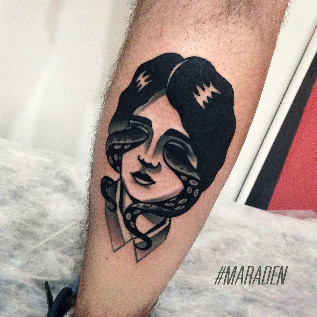 Художественная татуировка «Девушка». Мастер — Денис Марахин. Расположение — икра. Время работы — 4 часа. По своему эскизу.