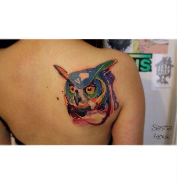 Художественная татуировка «Сова». Мастер — Саша Новик. Расположение — лопатка. Время работы — 4 часа. По своему эскизу