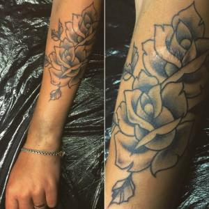 """Художественная татуировка """"розы"""". Перекрытие шрама. Мастер Ил Берёза"""