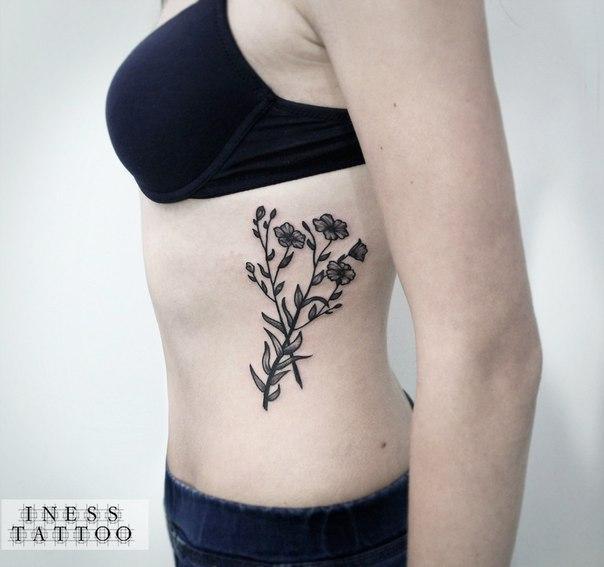 Художественная татуировка «Цветы». Мастер — Инесса Кефир