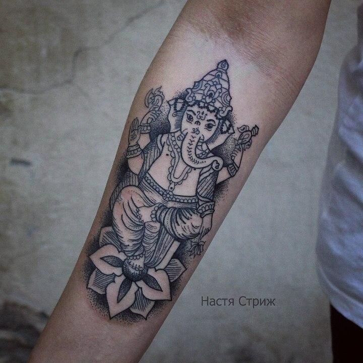 Художественная татуировка «Ганеша». Мастер Настя Стриж.
