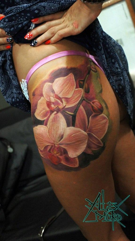 Художественная татуировка «Орхидея» от Александра Морозова