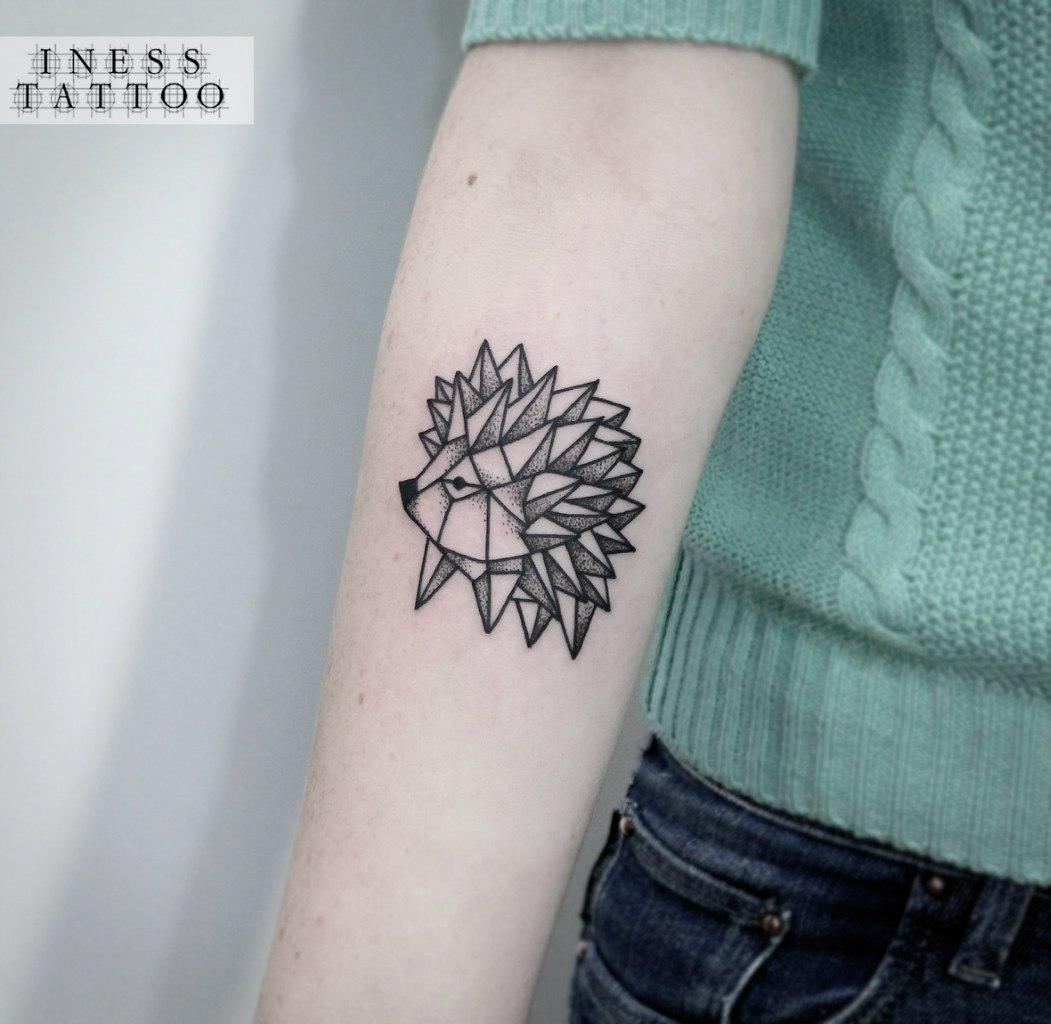 Художественная татуировка «Ёжик». Мастер — Инесса Кефир