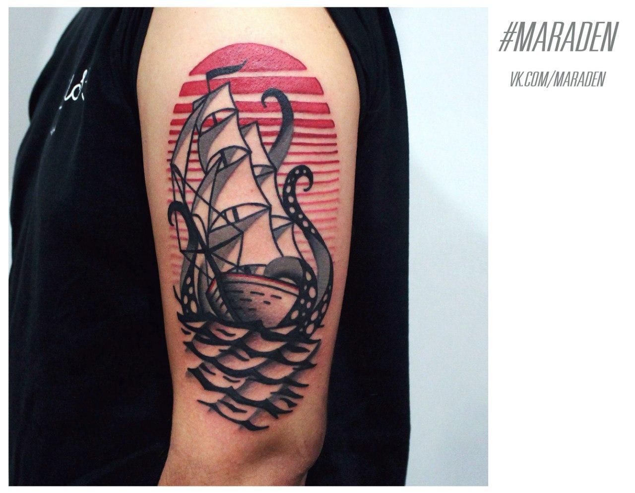 Художественная татуировка «Корабль». Мастер — Денис Марахин
