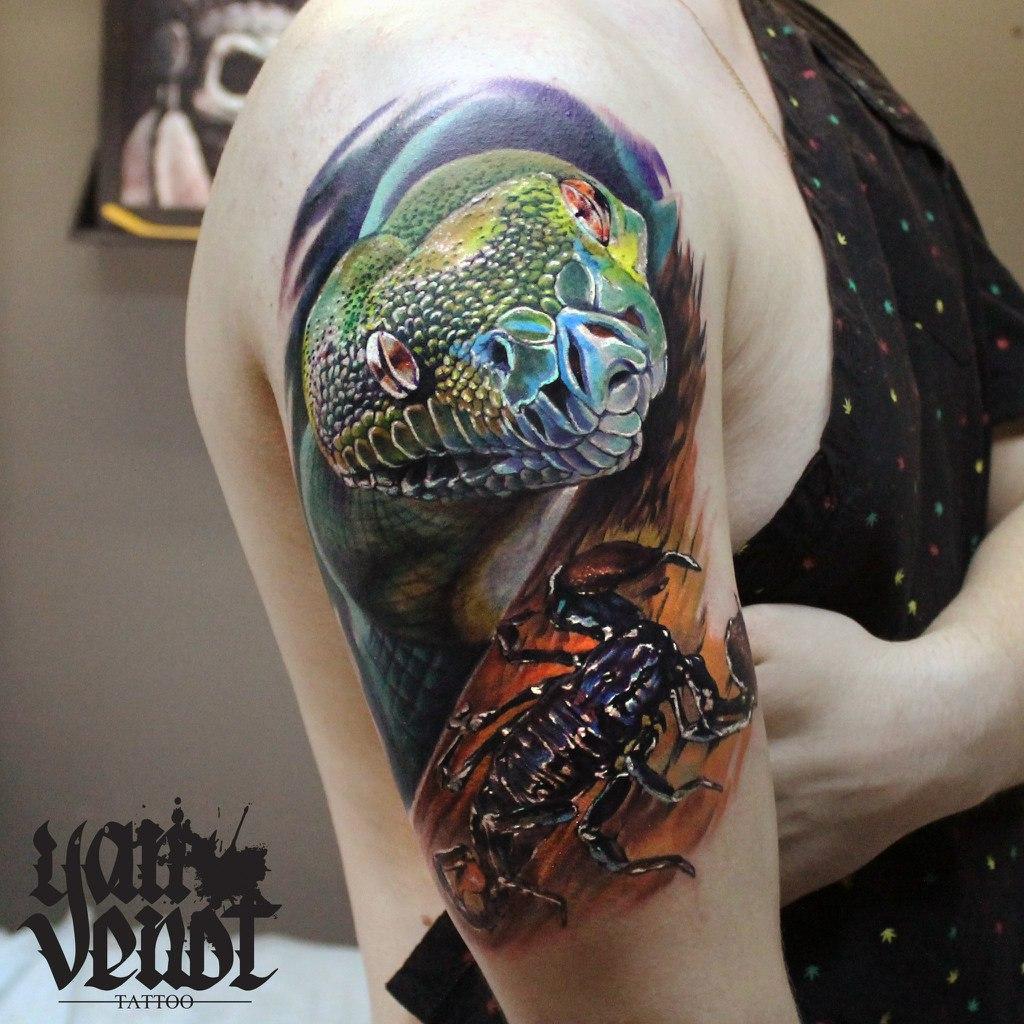 """Художественная татуировка """"Змея и скорпион"""". Мастер Ян Енот."""
