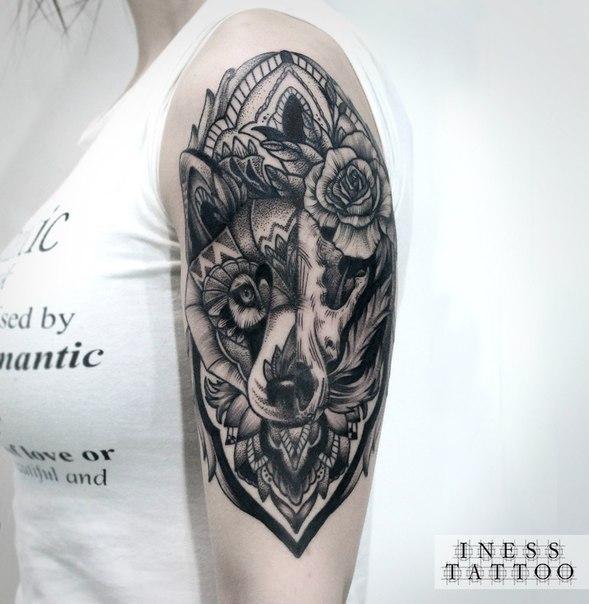 Художественная татуировка «Орнаментальный волк». Мастер — Инесса Кефир. Расположение — спина. Время работы — 2 сеанса по 5 часов. По своему эскизу