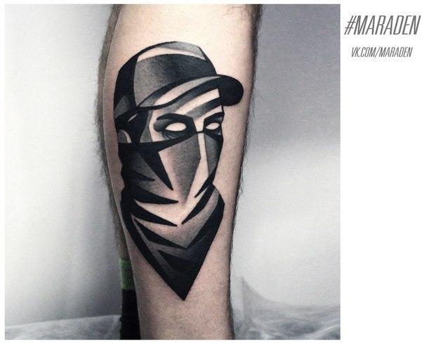 Художественная татуировка «Портрет». Мастер — Денис Марахин. Расположение — голень. Время работы — 2 часа. По своему эскизу