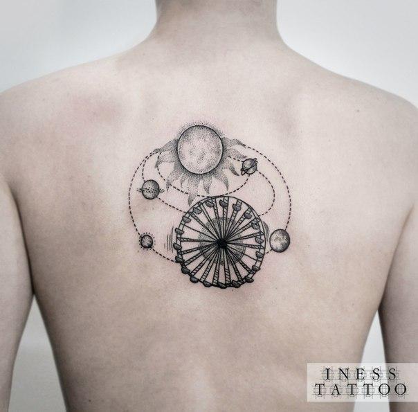Художественная татуировка «Солнечная система». Мастер — Инесса Кефир. Расположение — спина. Время работы — 3 часа. По своему эскизу