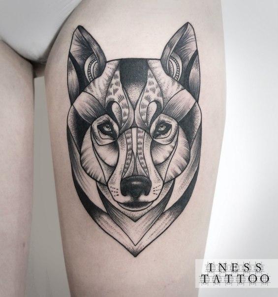 Художественная татуировка «Волк». Мастер — Инесса Кефир. Расположение — бедро. Время работы — 4,5 часа. По своему эскизу