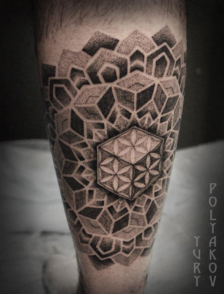 """Художественная татуировка """"Мандала с цветком жизни"""" от Юрия Полякова"""