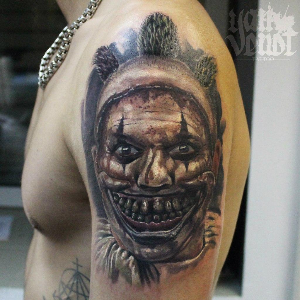 "Художественная татуировка ""Клоун"". Мастер Ян Енот."
