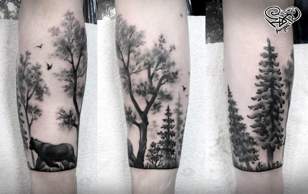 Художественная татуировка «Лес». Мастер — Анна Корь. Расположение — предплечье. Время работы — 3,5 часа. По собственному эскизу.