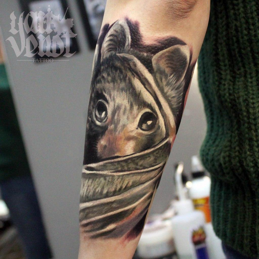 """Художественная татуировка """"Летучая мышь"""". Мастер Ян Енот."""