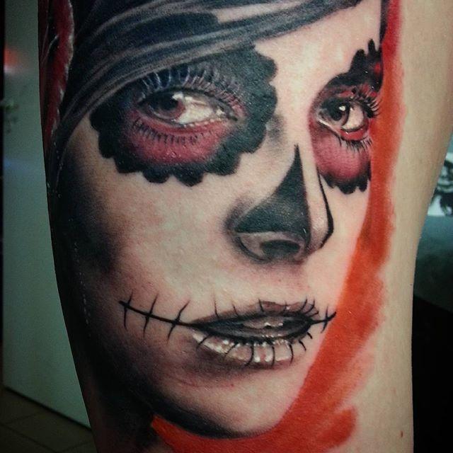 """Художественная татуировка """"Девушка Муэрто"""" от Евгения Ершова"""