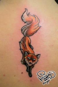 Художественная татуировка «Лиса». Мастер — Анна Корь. Расположение — спина. Время работы — 1 час. По своему эскизу