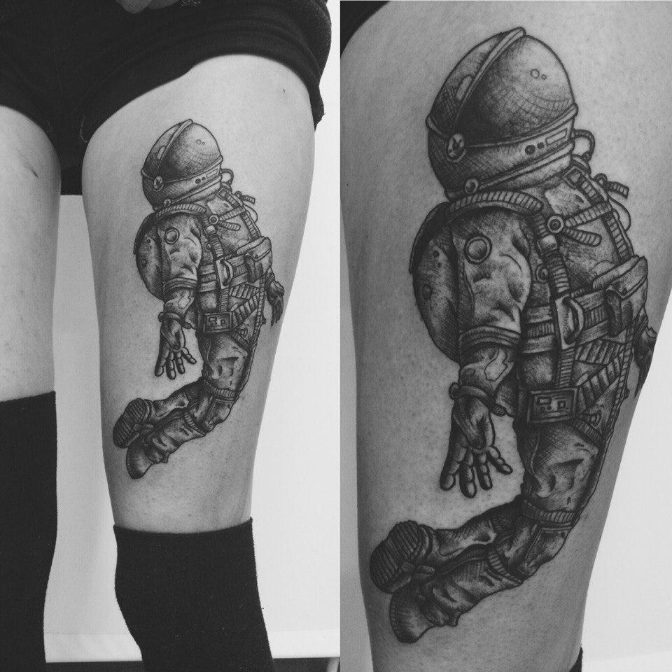 """Художественная татуировка """"Космонавт"""" от Ильи Берёзкина"""