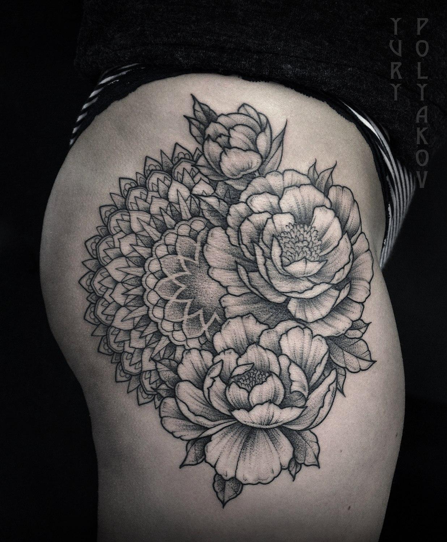 """Художественная татуировка """"Мандала в пионах"""" от Юрия Полякова"""