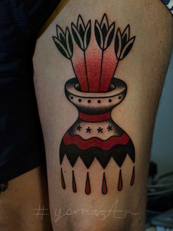 """Художественная татуировка """"Ваза"""". Мастер Даниил Костарев."""
