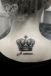 Художественная татуировка «Корона». Мастер — Анна Корь. Расположение — спина. Время работы — 1 час. По эскизу клиента