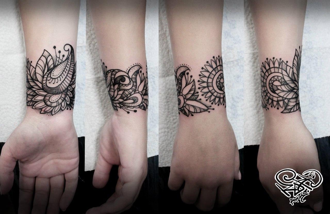 Художественная татуировка «Орнамент». Мастер — Анна Корь