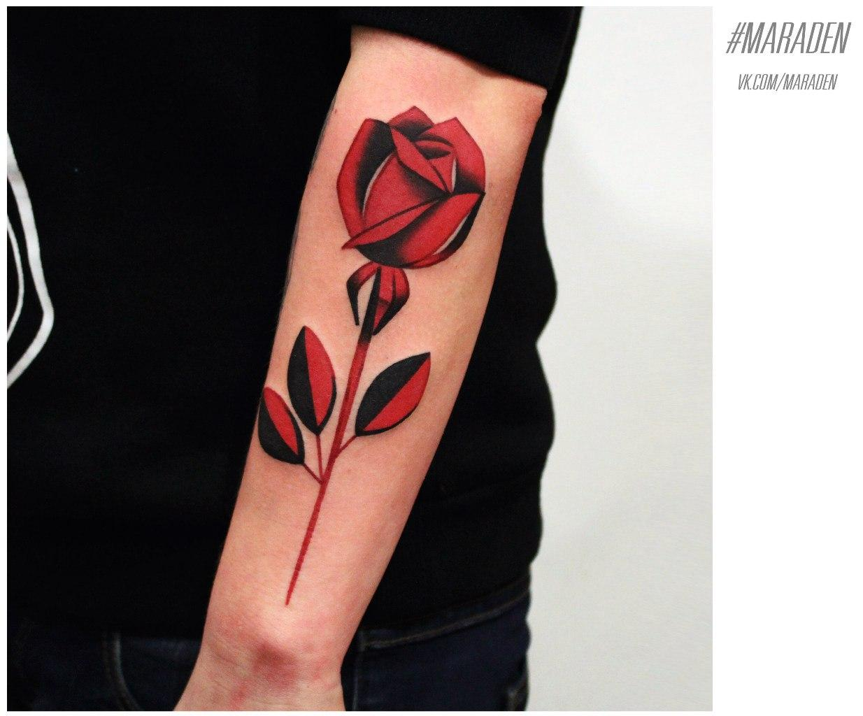 Художественная татуировка «Роза». Мастер — Денис Марахин