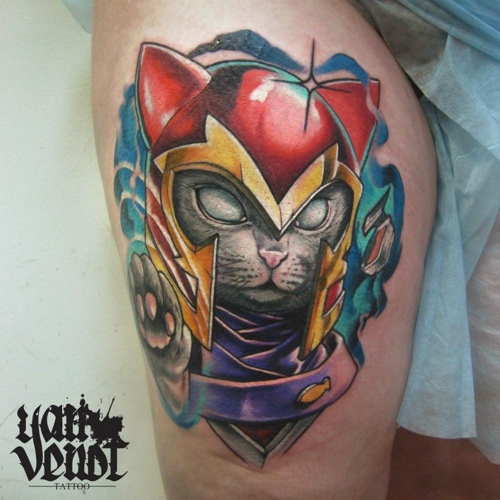 """Художественная татуировка """"Кот супергерой"""". Мастер Ян Енот."""