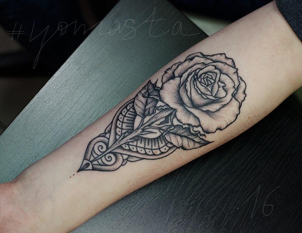 """Художественная татуировка """"Роза"""". Мастер Даниил Костарев."""