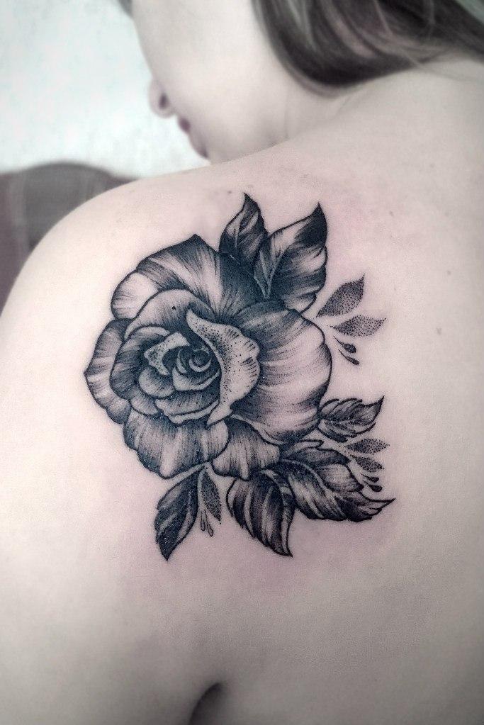 """Художественная татуировка """"Роза"""". Мастер - Ксения Смирнова"""