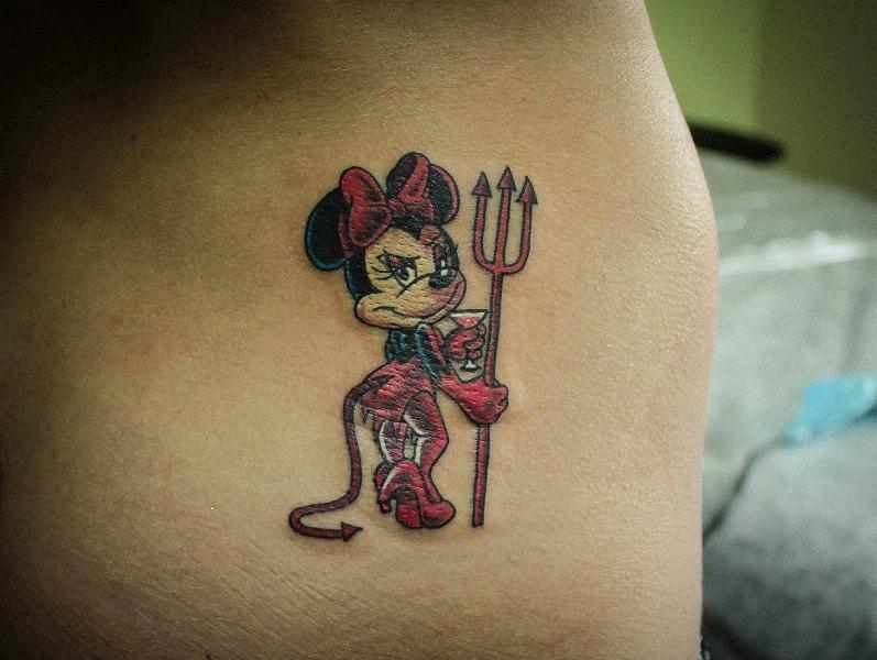 Татуировка Микки Маус