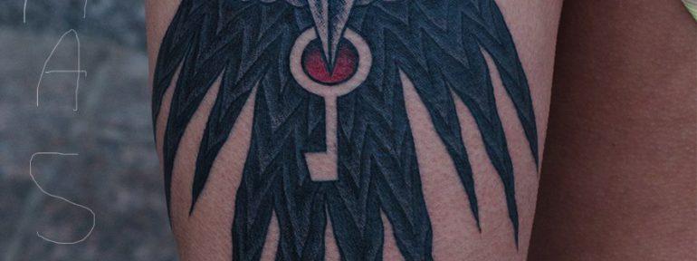Художественная татуировка «Ворон».Мастер Даня Костарев
