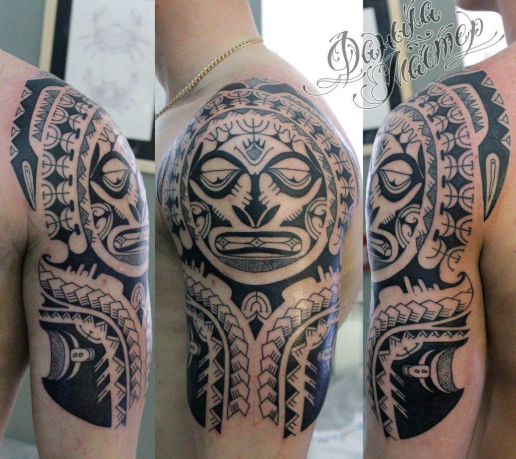 Художественная татуировка Полинезия на плече