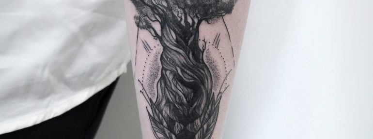Художественная татуировка «Дерево» от мастера Инессы Кефир