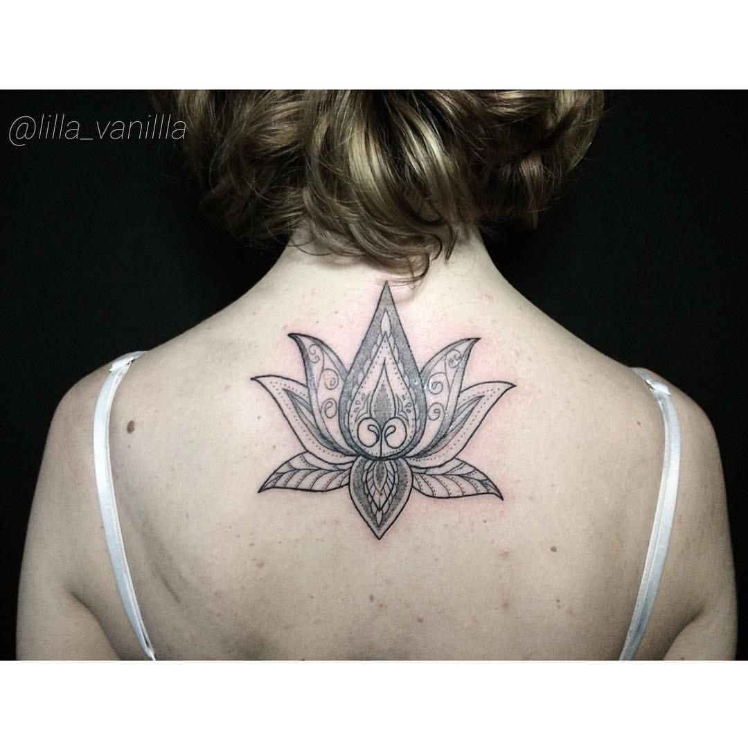 """Художественная татуировка """"Лотос"""". Мастер Лилия Ольховская."""