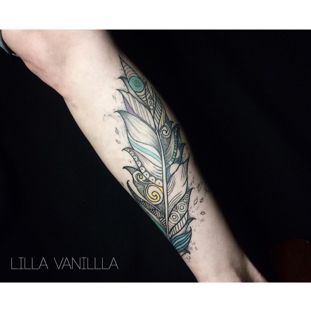 """Художественная татуировка """"Перо"""". Мастер- Лилия Ольховская."""