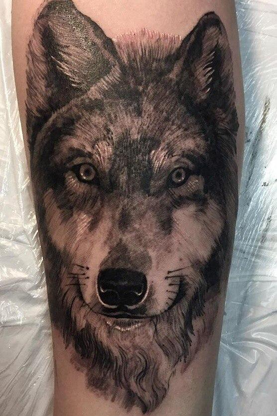 """Художественная татуировка """"Волк"""". Мастер- Василий."""