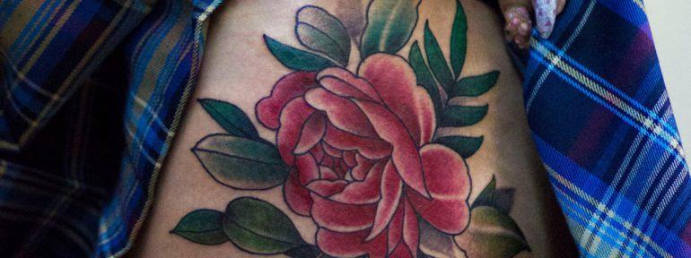 Художественная татуировка «Пион». Мастер Лёша Стафеев