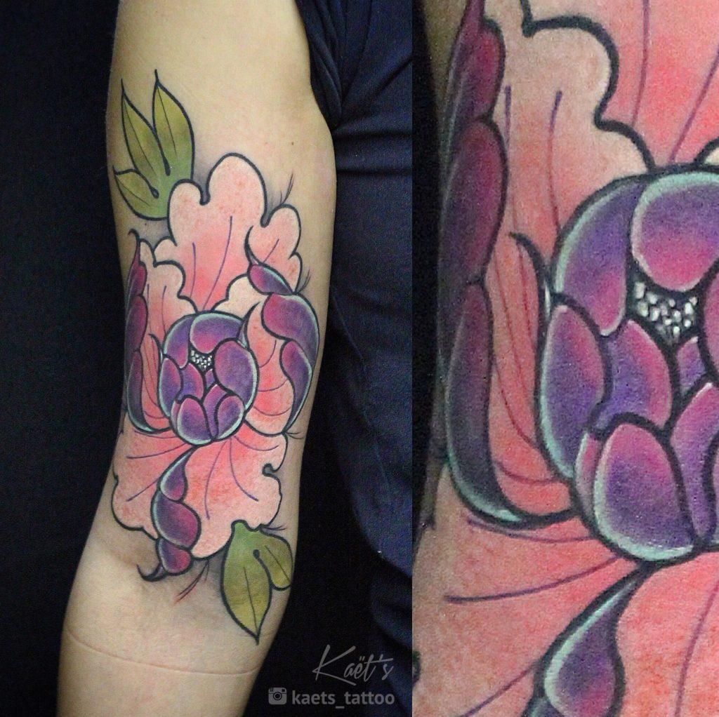 """Художественная татуировка """"Пион"""". Мастер Ил Берёза"""
