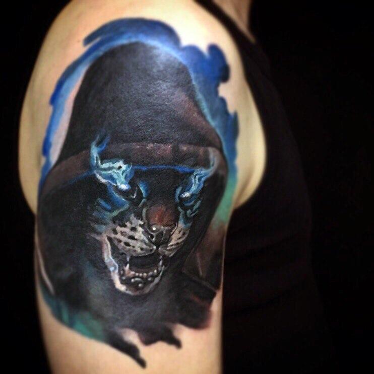 Художественная татуировка «Магическая кошка». Мастер- Вася Эверест.